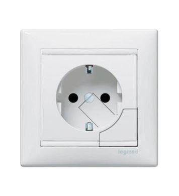 Розетка с фиксатором-выталкивателем | Выбор и установка розеток и выключателей