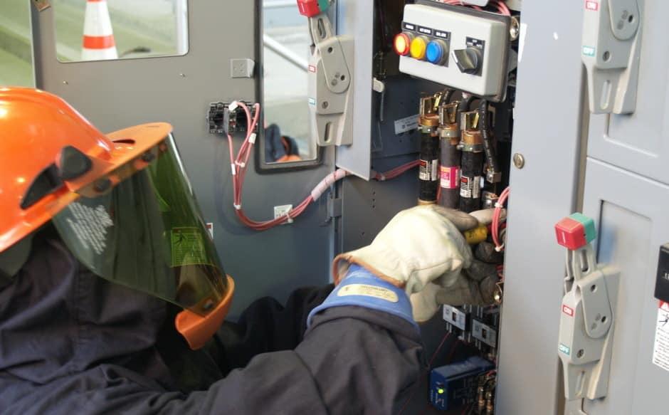 Установка стабилизатора напряжения | Дизельные и бензиновые генераторы, стабилизаторы напряжения