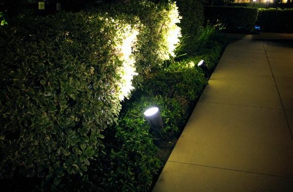 Прожекторы на участке