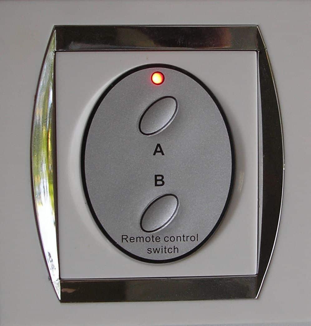 Кнопочный выключатель | Выбор и установка розеток и выключателей