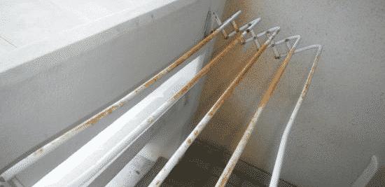 Как выбрать сушилку для белья | Ржавчина на стальной сушилке для белья