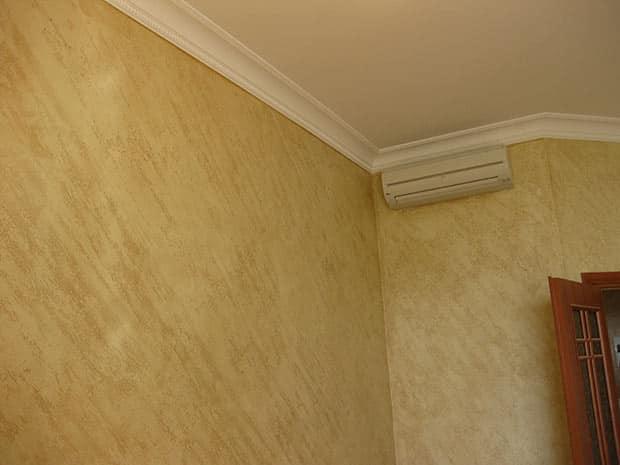 Отделка стен декоративной штукатуркой | Декоративная штукатурка в комнате