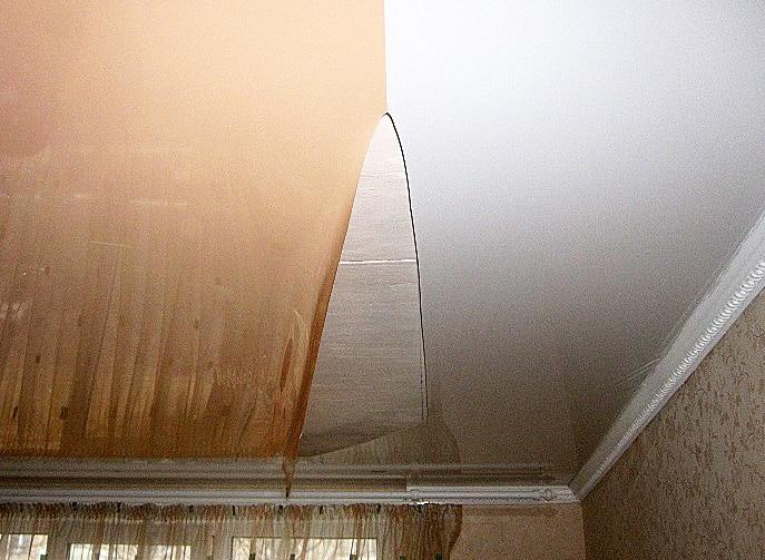 Разрыв шва натяжного потолка