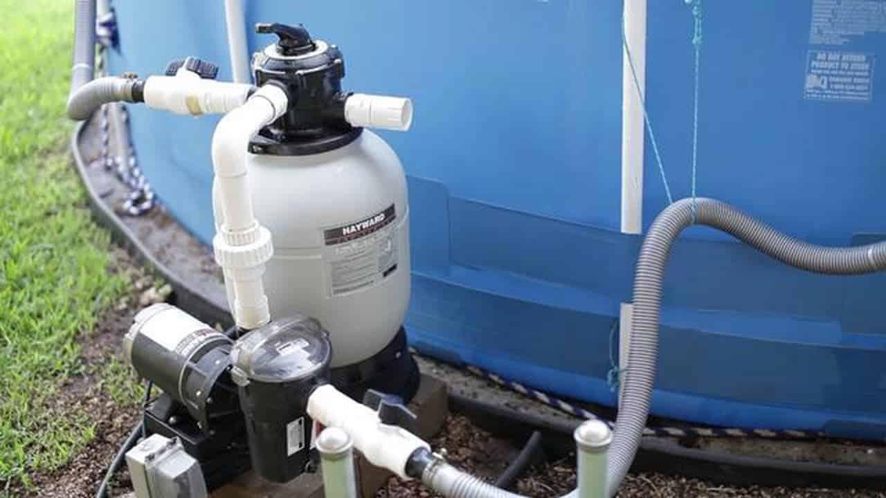 Фильтры и насосы рекомендуется включать минимум на 24-48 часов в неделю для очищения воды