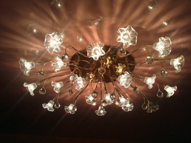 Прочие причины запаха от натяжных потолков | Запах от натяжного потолка: как избавиться, сколько пахнет