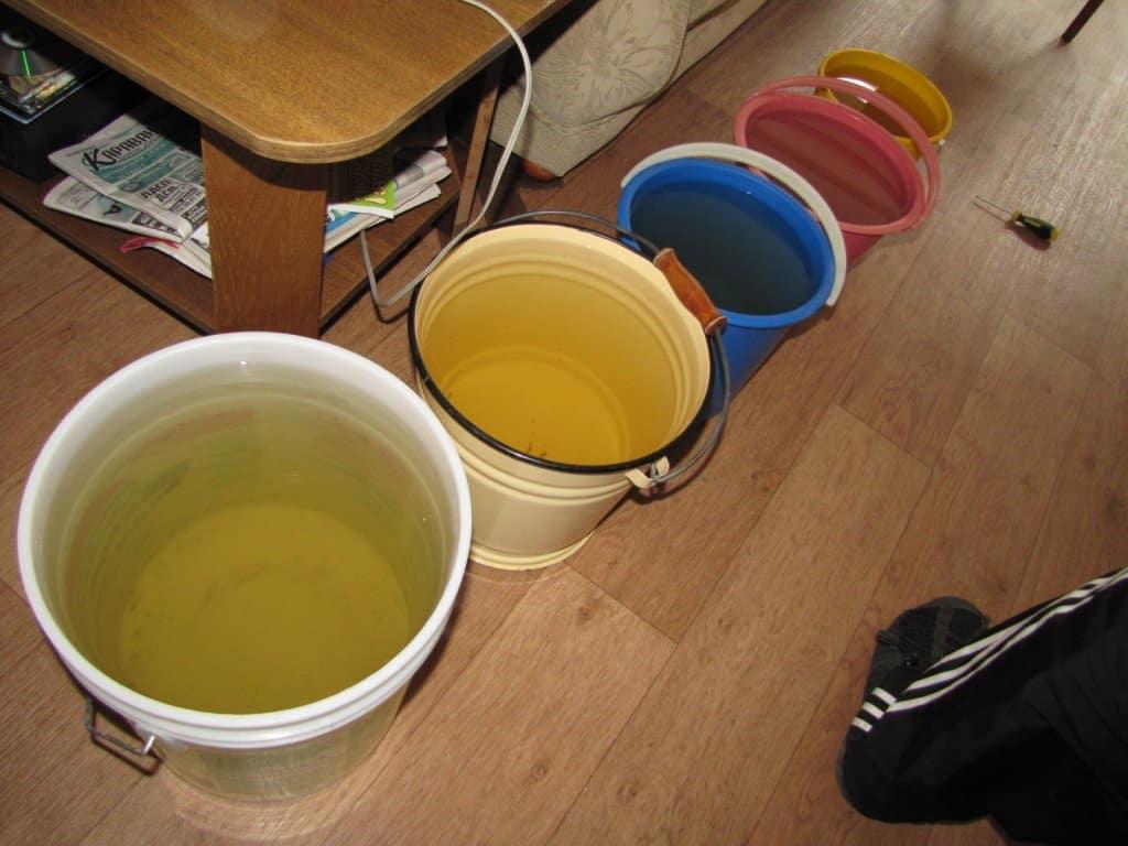 Общие подготовительные мероприятия | Слив воды с натяжного потолка: как убрать воду самостоятельно