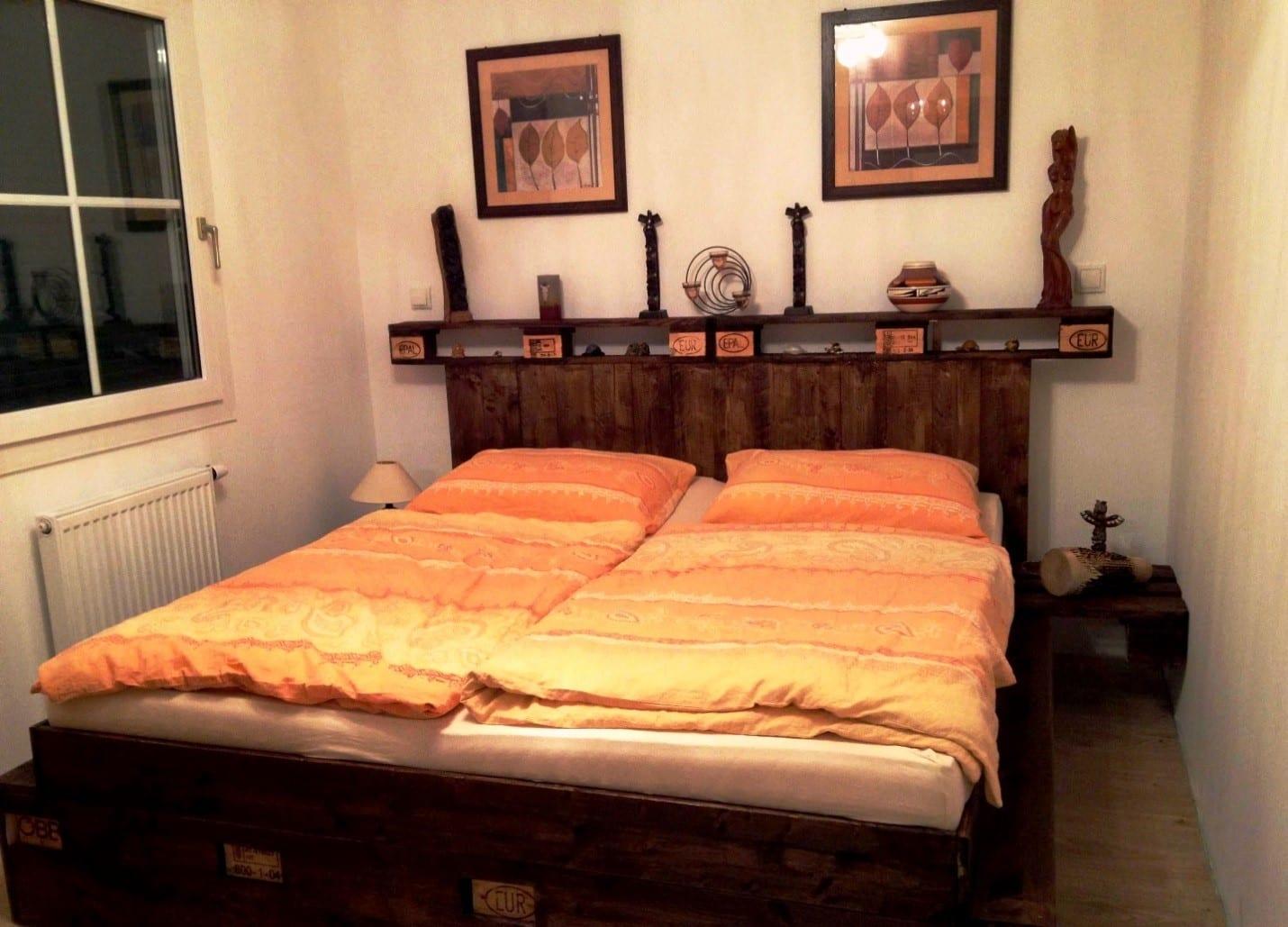Плюсы и минусы использования поддонов | Кровать из поддонов своими руками
