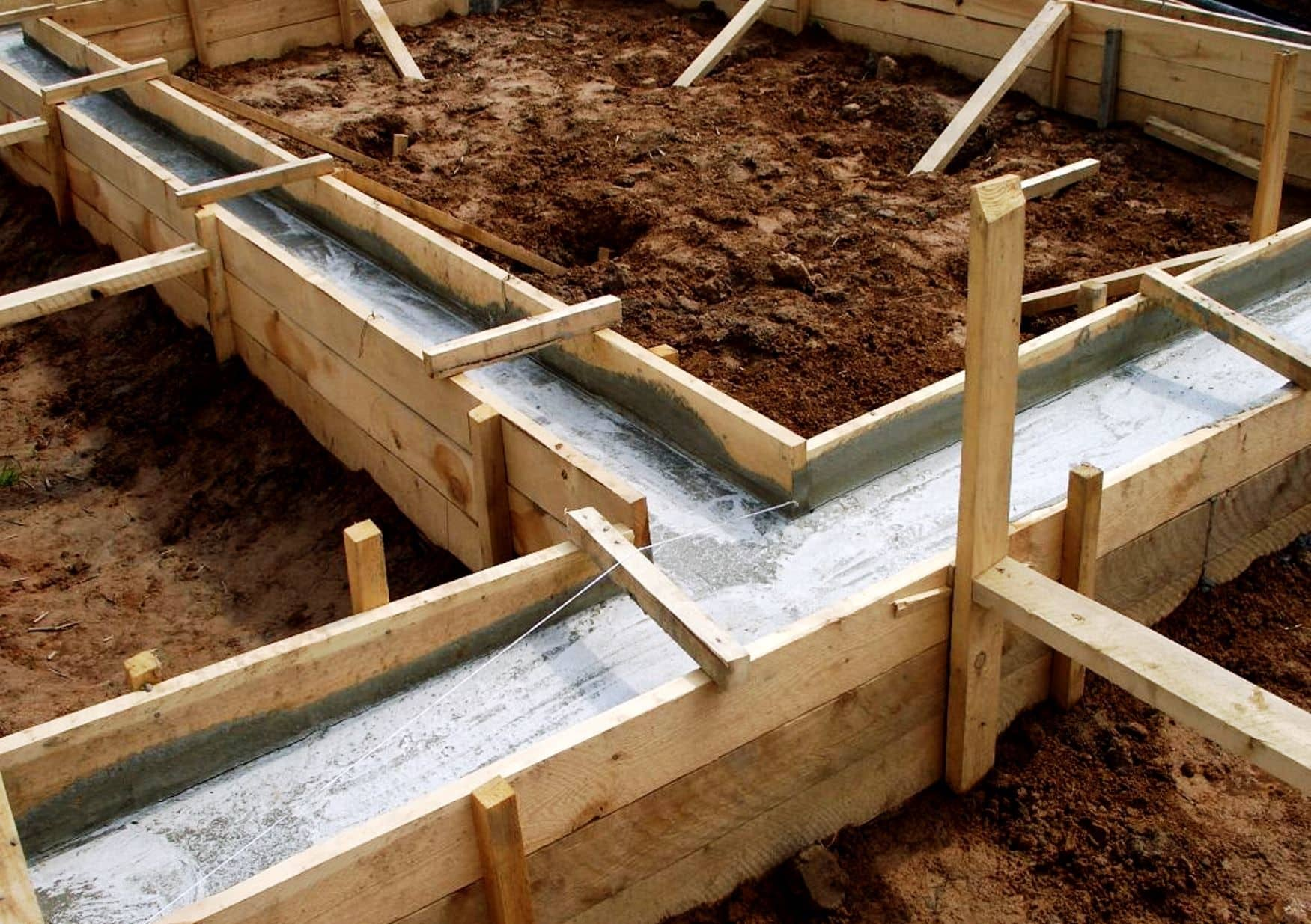 Подготовка площадки и залив фундамента | Баня из сэндвич-панелей своими руками