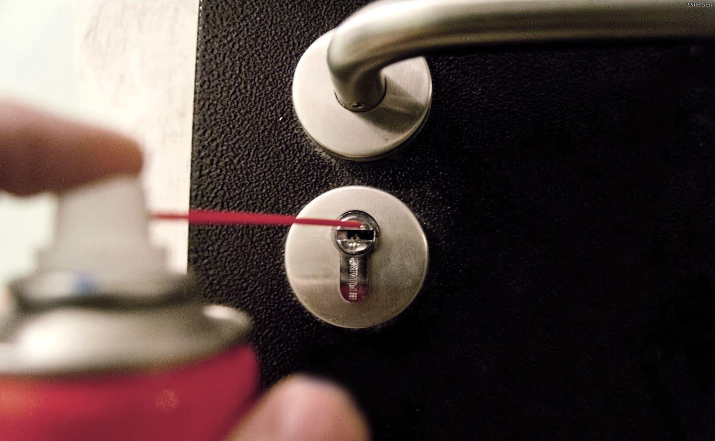 Профилактические меры | Застрял ключ в замке двери, что делать