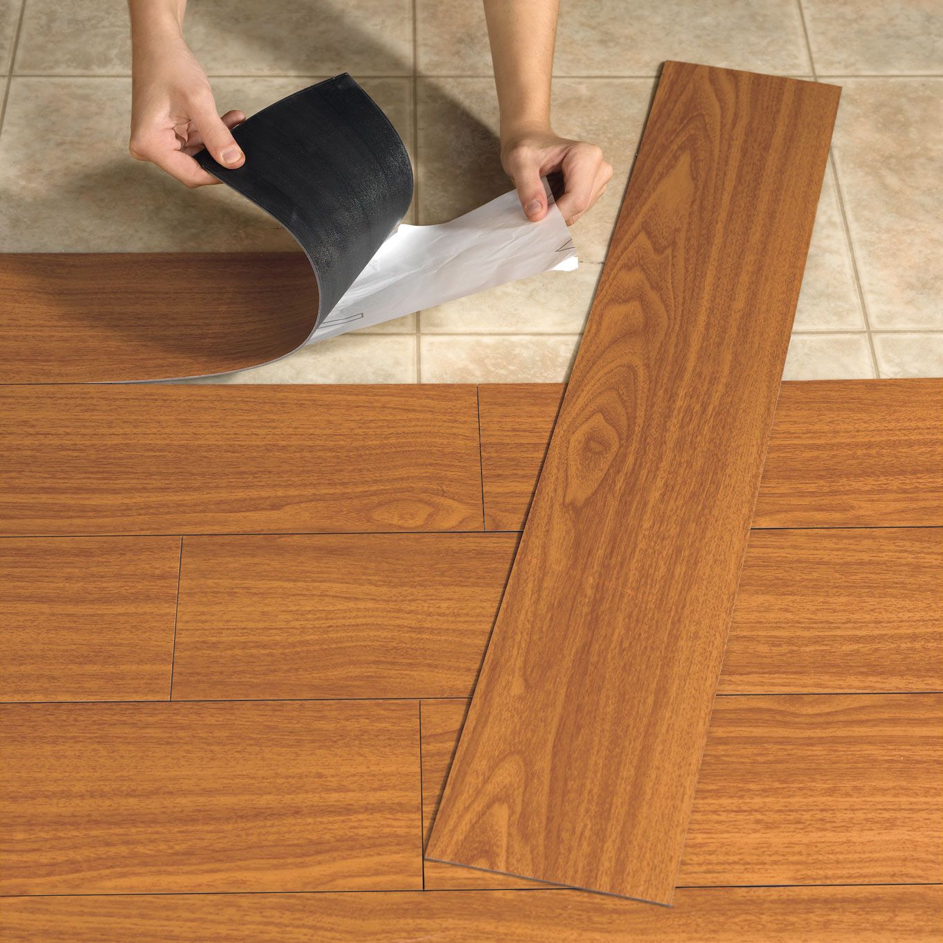 Сложность укладки | Ламинат или ПВХ плитка что лучше