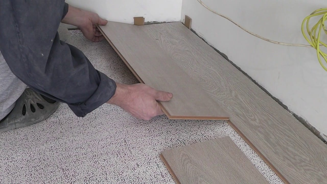 Плюсы и минусы ламината | Ламинат или ПВХ плитка что лучше