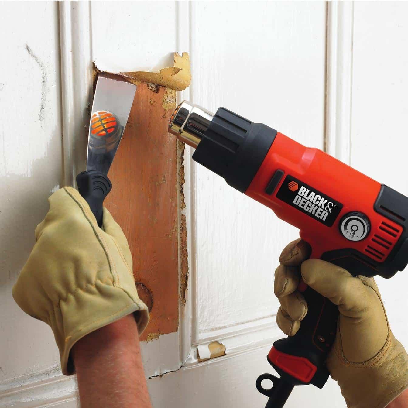 Чем смыть краску с двери