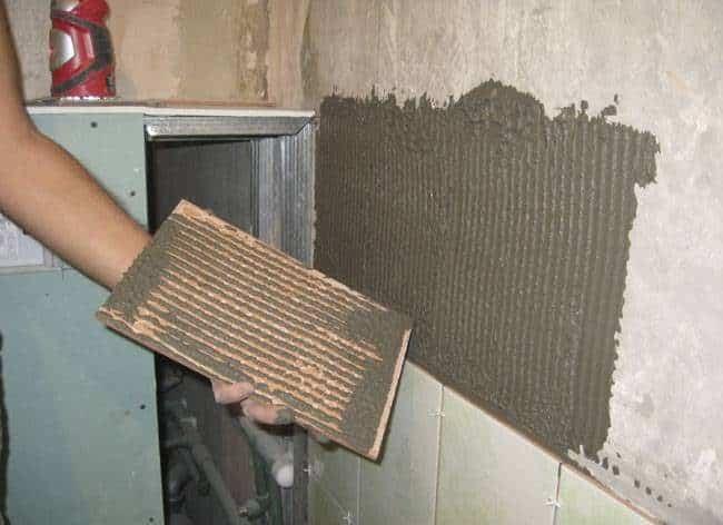 Отошла плитка от стены, что делать