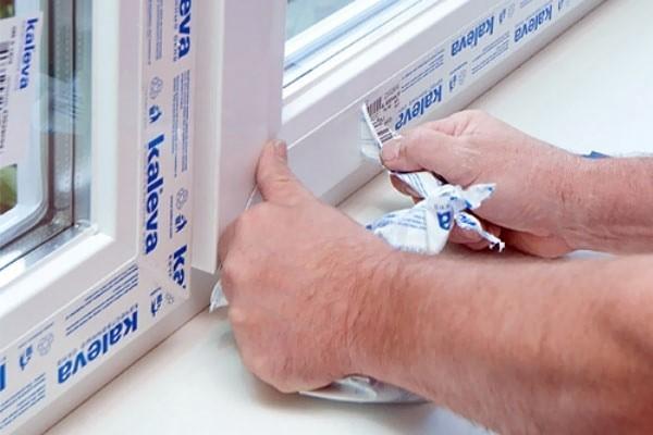 Как снять пленку с пластикового окна сразу   Как снять пленку с пластиковых окон и подоконников