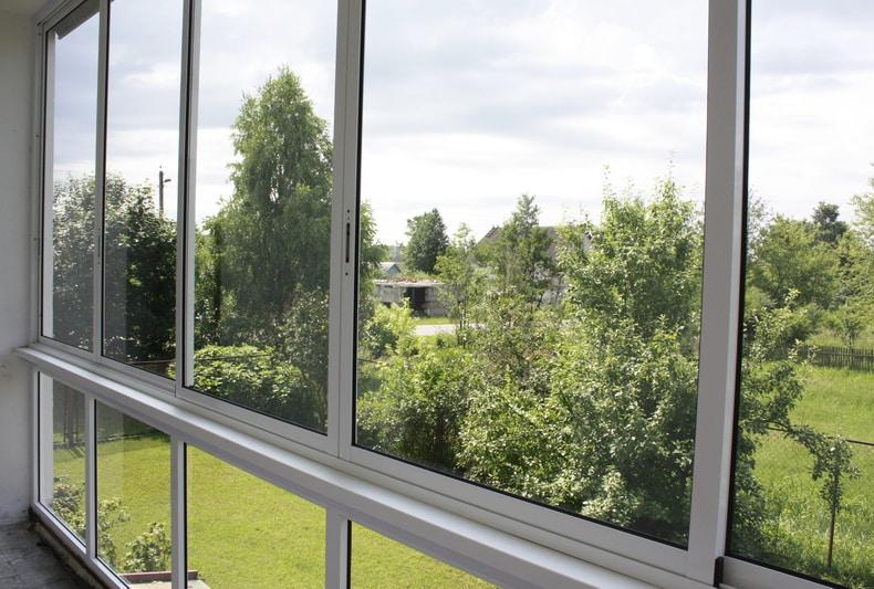 Плюсы остекления балкона алюминием | Остекление балкона из алюминия или пластика что лучше