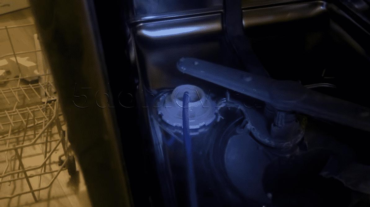 Как слить воду из посудомоечной машины, если она сломалась
