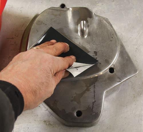 Чем и как очистить цемент от металла