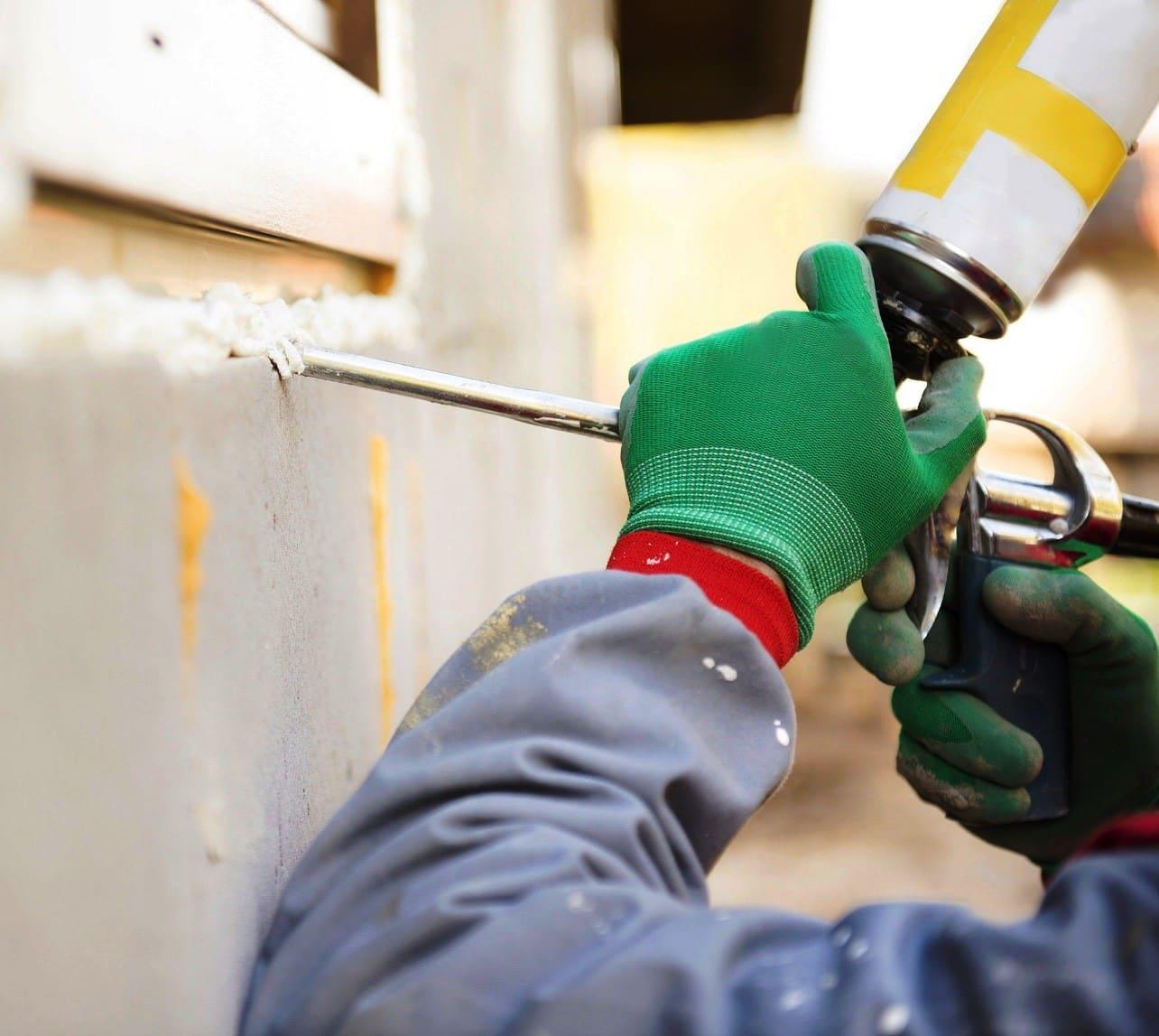 Безопасные и доступные составы, которые помогут избавиться от свежего слоя монтажной пены