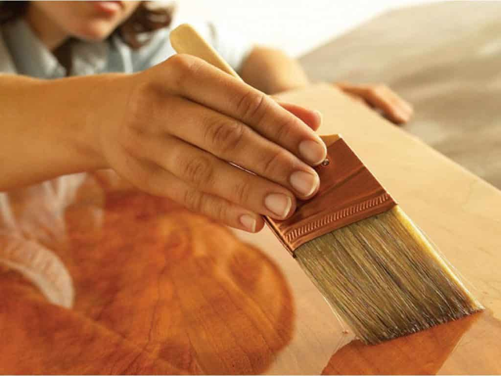 Нанесение лака | Покрывают ли лаком акриловые краски