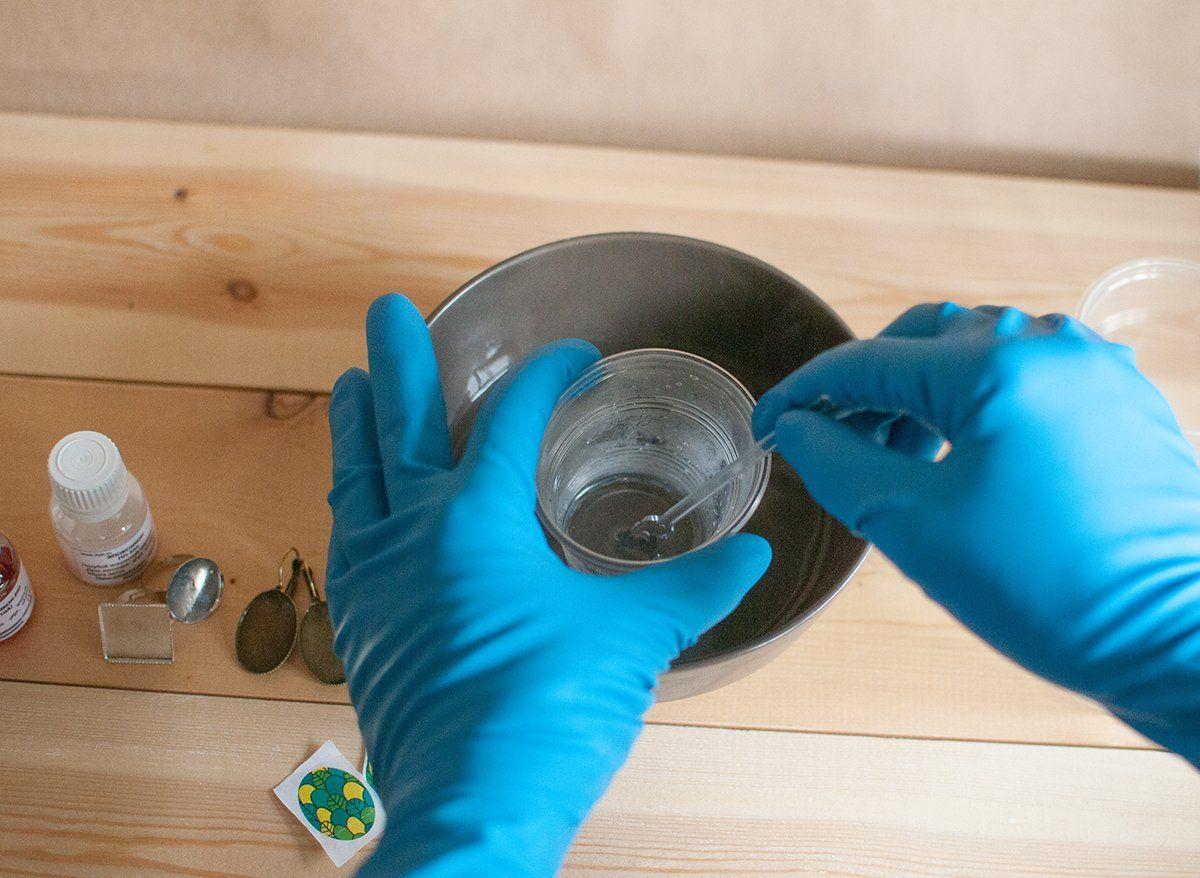 Техника безопасности при работе с эпоксидной смолой | Чем подкрасить эпоксидную смолу в домашних условиях