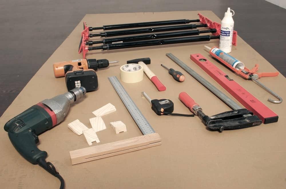 Какие материалы и инструменты понадобятся | Как установить межкомнатную дверь без порога