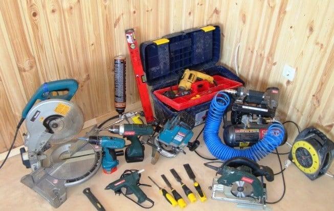 Какие инструменты могут понадобиться | Установка тканевых натяжных потолков: пошаговая инструкция монтажа своими руками