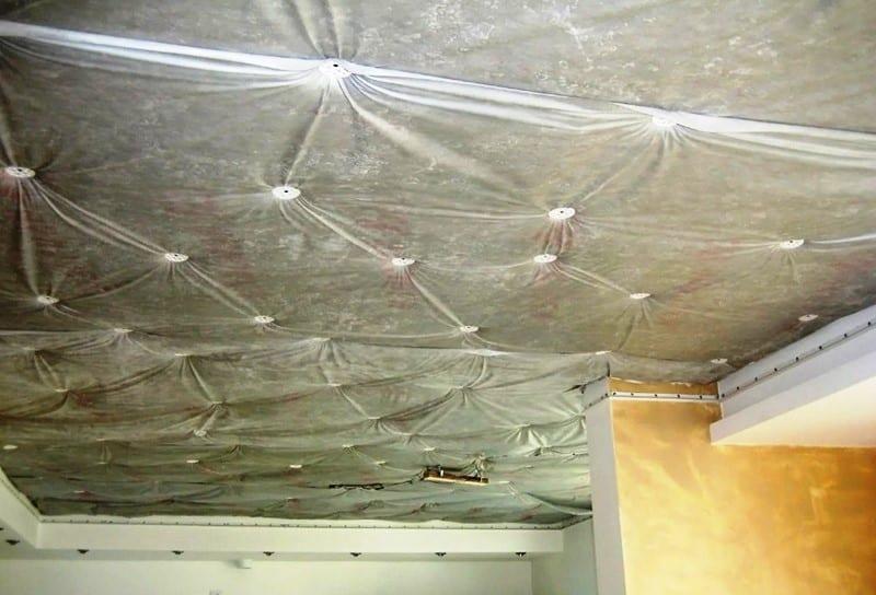 Когда нужно устанавливать шумоизоляцию под натяжной потолок