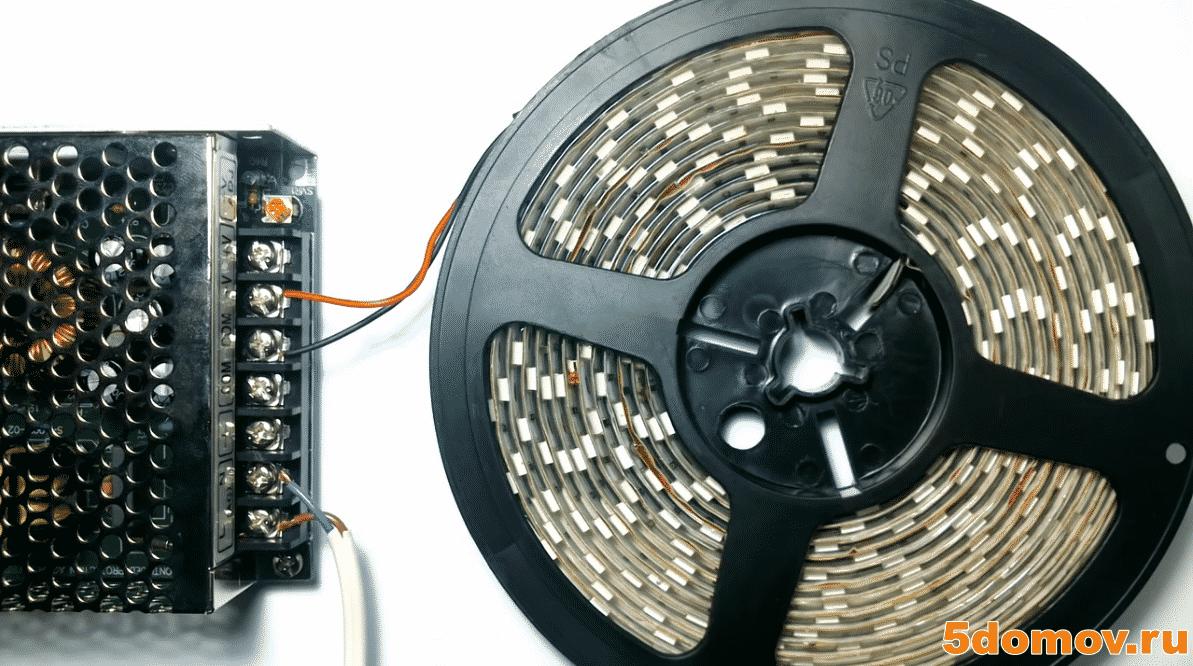 Особенности монтажа светодиодных лент под потолок | Светодиодная лента под натяжным потолком