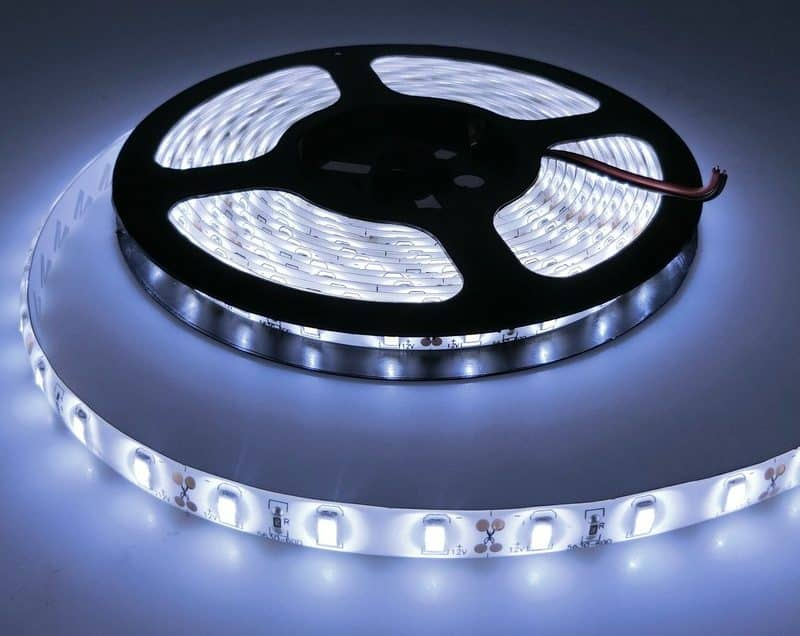 Краткая характеристика светодиодных лент | Светодиодная лента под натяжным потолком